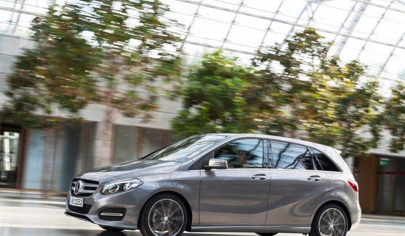 Mercedes-Benz B-Class B200 Style (A) full